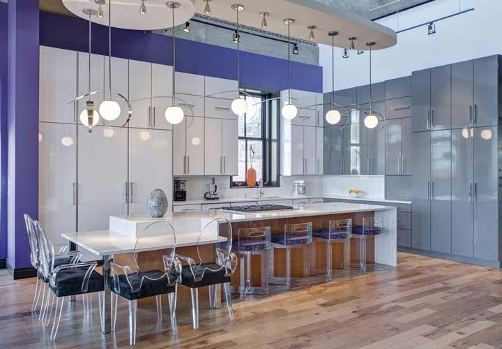 دکوراسیون آشپزخانه مدرن - آشپزخانهای مدرن با جزیرهای بزرگتر از اندازهی قابلانتظار