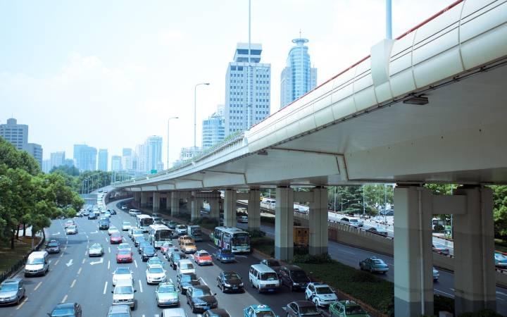 استفاده از تاکسی یکی از راه های حمل و نقل در سفر به چین