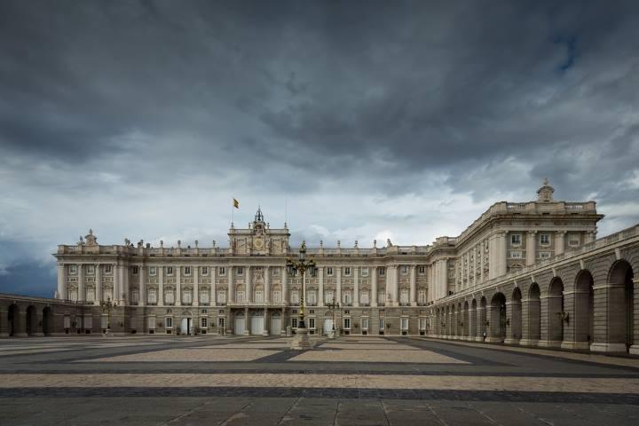 کاخ سلطنتی - مکانهای دیدنی مادرید