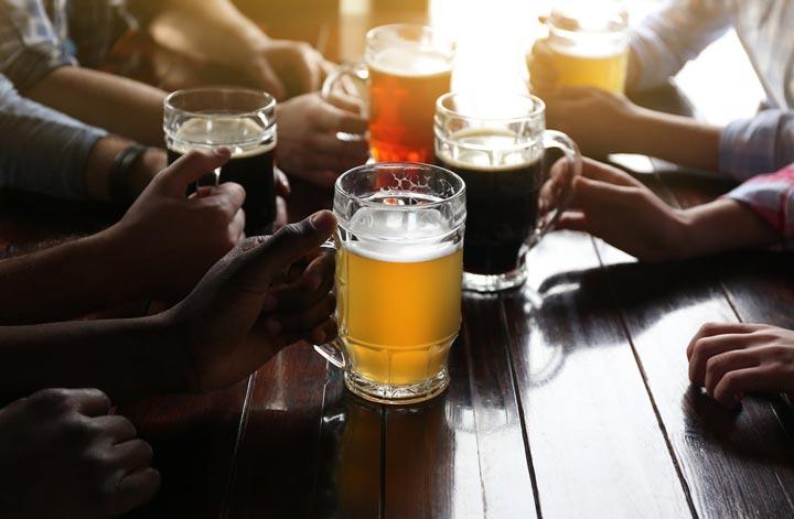 نوشیدن بیش از اندازه در بارهای استرالیا