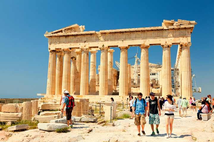 پوشیدن کفش پاشنه بلند در یونان