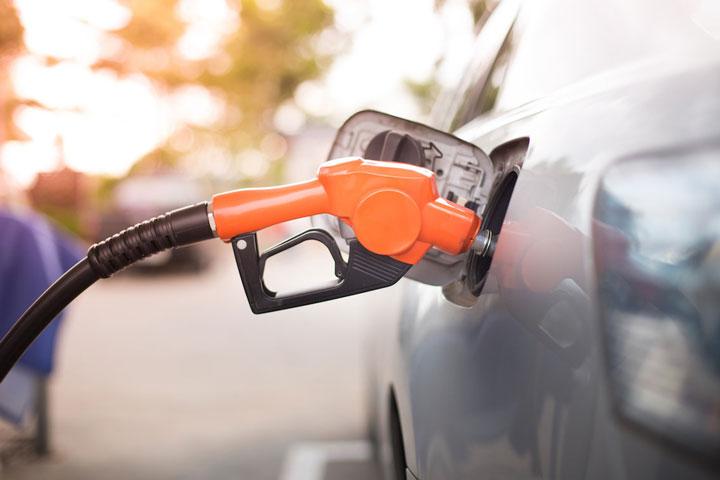 تمام شدن بنزین در اتوبانهای آلمان
