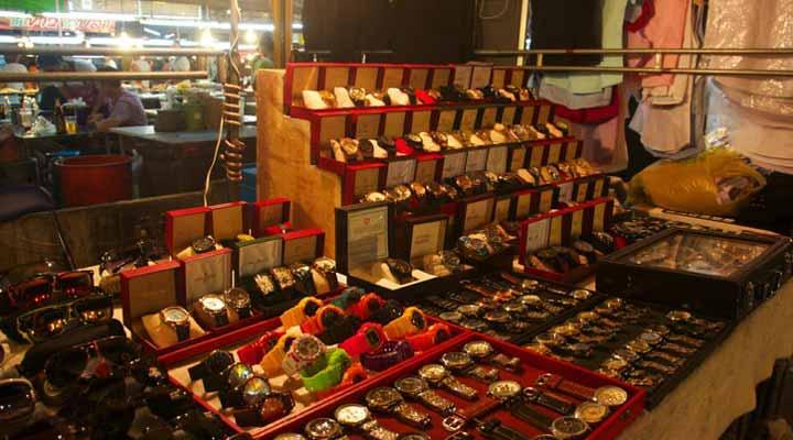 مراکز خرید پاتایا - بازار شبانهی تِپراسیت رود