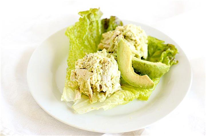 سالاد آووکادو و مرغ یک گزینه عالی برای ناهار