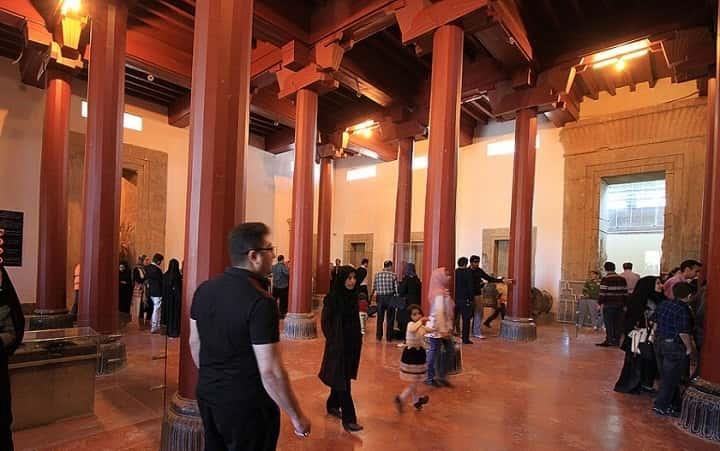 موزه پرسپولیس از جاهای دیدنی شیراز