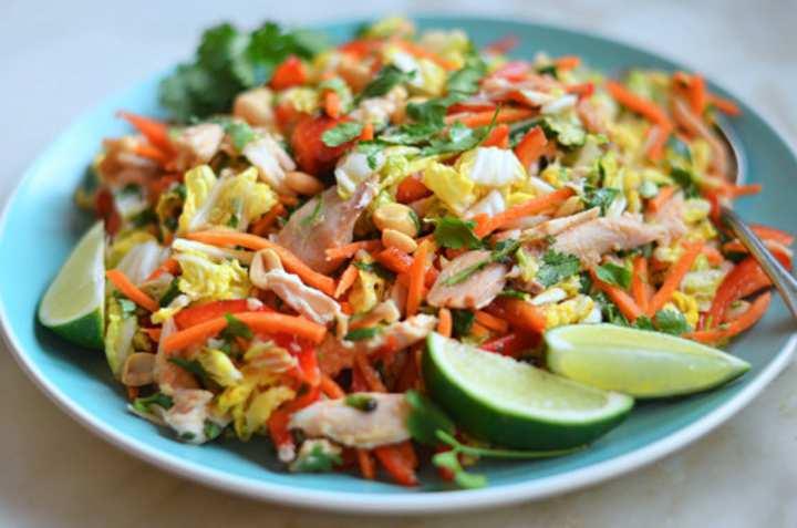 سالاد مرغ و سبزیحات