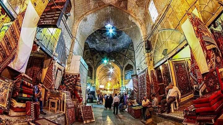 بازار وکیل از جاهای دیدنی شیراز