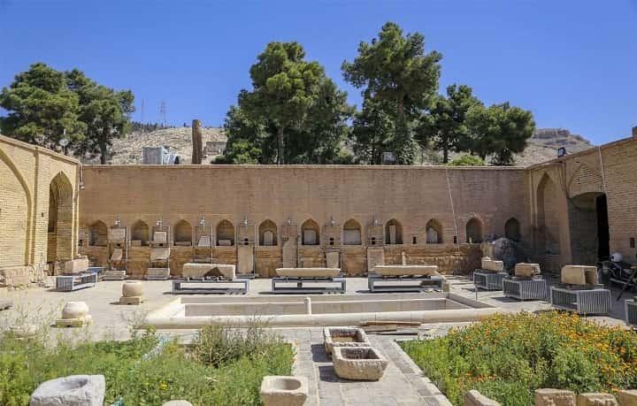 موزه هفت تنان از جاهاي ديدني شيراز