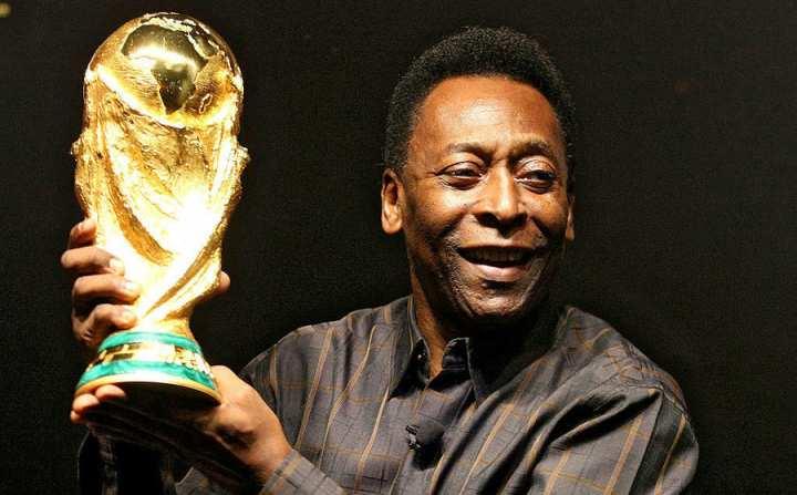 برترین فوتبالیستهای جهان - پله