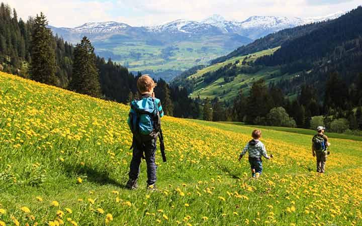 کوهپیمایی برهنه در سوئیس