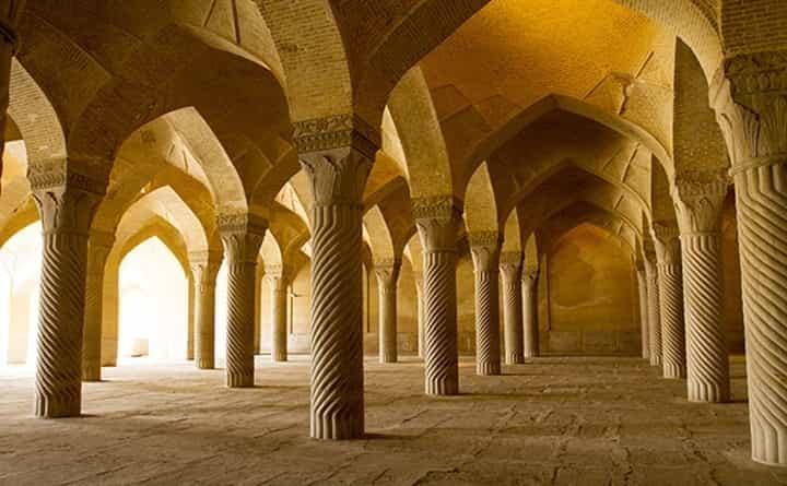 مسجد وکیل از جاهای دیدنی شیراز