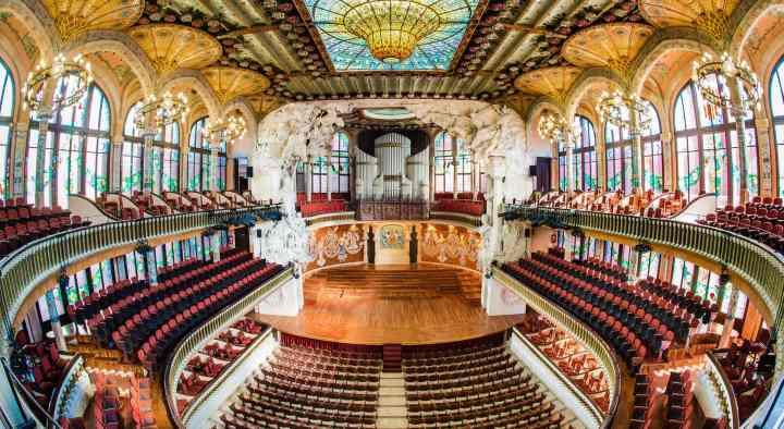 قصر موسیقی کاتالان از جاهای دیدنی بارسلونا