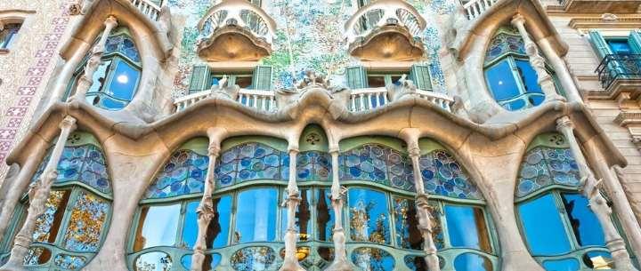 ساختمان کازا بالیو از جاهای دیدنی بارسلونا