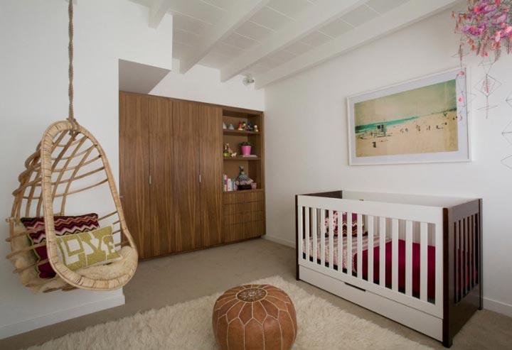 دکوراسیون اتاق نوزاد ـ استفاده از صندلی متحرک