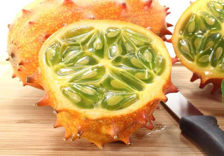 یکی از عجیب ترین میوه ها خربزه ی شاخدار یا خیار آفریقایی نام دارد.