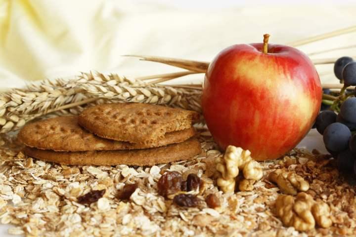 برای درمان اسهال چه بخوریم - پرهیز از مصرف غذاهایی که فیبر نا محلول دارند