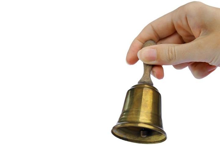 ring a bell یکی از اصطلاحات انگلیسی در زبان عامیانه