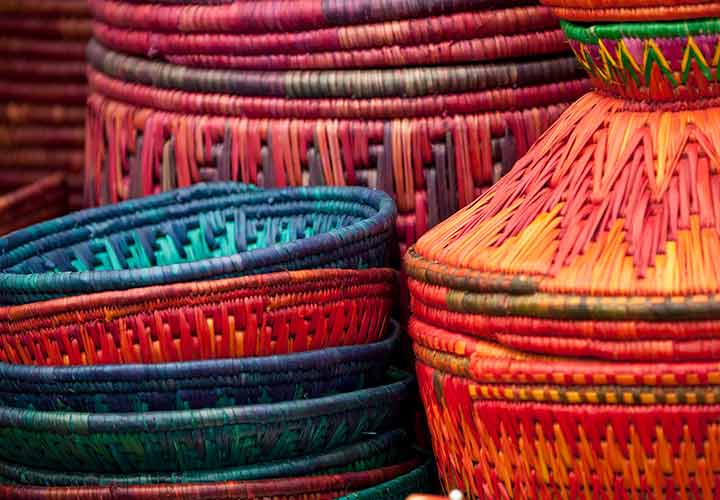 بوم گردی و حمایت از صنایعدستی محلی