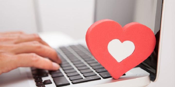 انحراف شناختی در رابطه با عشق مجازی