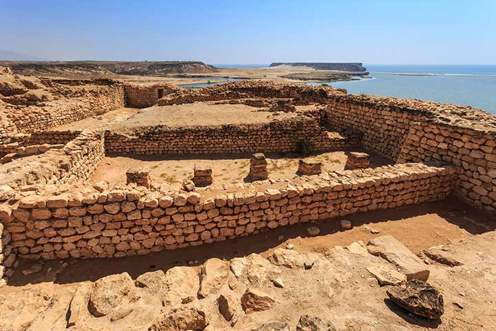 سفر به عمان و ویرانههای سمهرَم