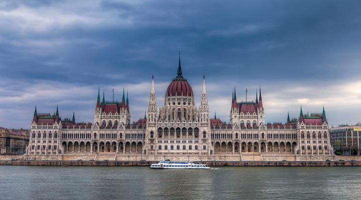 جاهای دیدنی بوداپست - ساختمان پارلمان