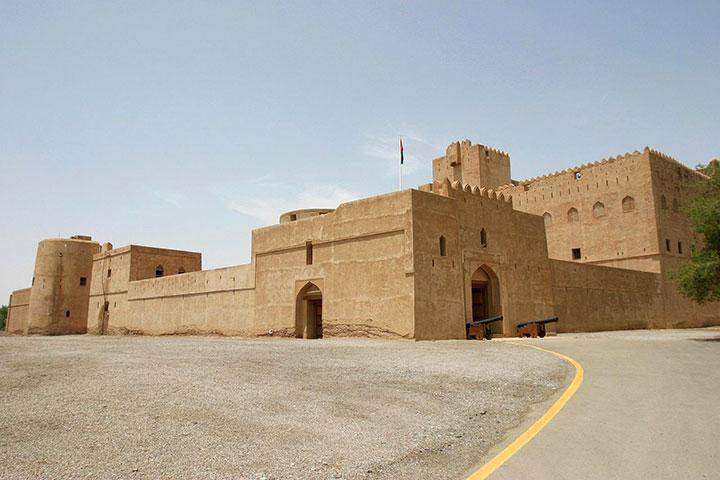 سفر به عمان و قلعهی جبرین