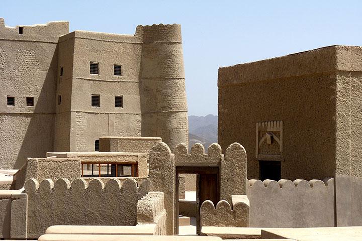 سفر به عمان و قلعهی بهلا