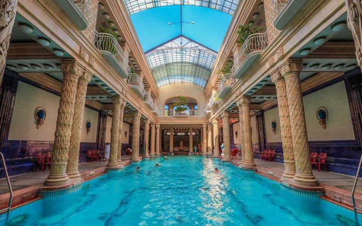 جاهای دیدنی بوداپست - حمامهای گِلییِرت