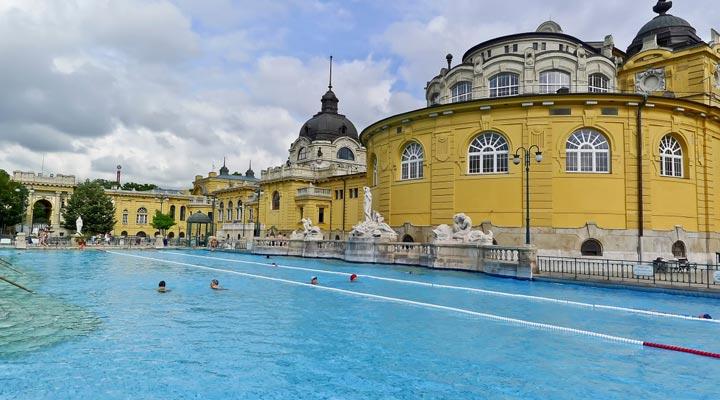 جاهای دیدنی بوداپست - حمامهای آبگرم سیچینی