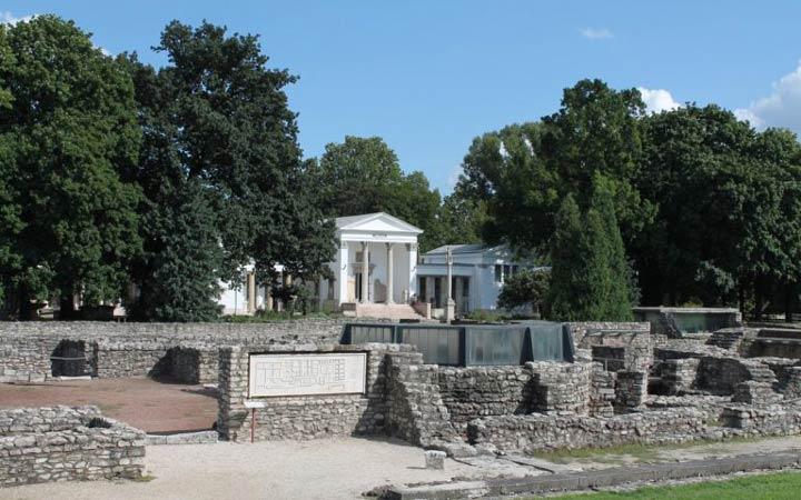 جاهای دیدنی بوداپست - موزهی آکوئینکوم و باغ مخروبه