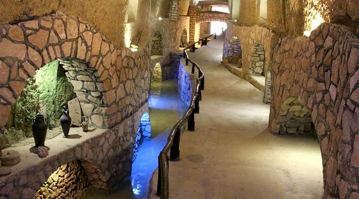 جاهای دیدنی کیش - شهر زیرزمینی کاریز