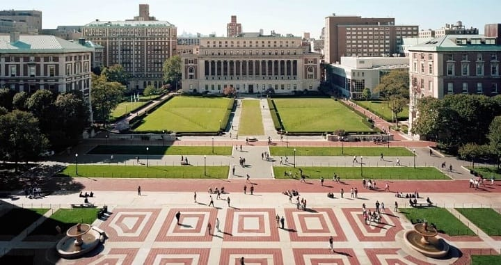 نمایی از دانشگاه کلمبیا یکی از بهترین دانشگاه های جهان