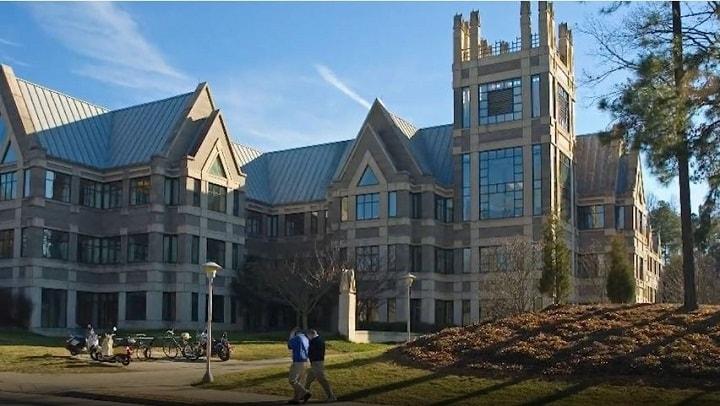 نمایی از دانشگاه دوک یکی از بهترین دانشگاه های جهان