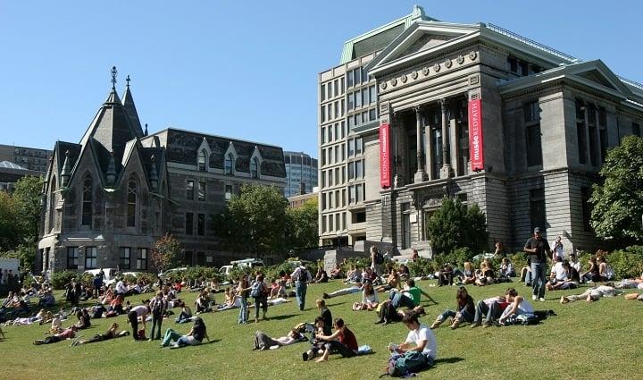 نمایی از دانشگاه مک گیل یکی از بهترین دانشگاه های جهان