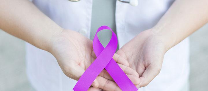 سرطان بیضه - علائم