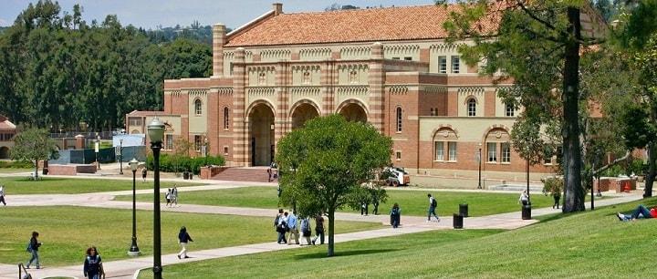 نمایی از دانشکاه کالفرنیا در لس آنجلس یکی از بهترین دانشگاه های جهان