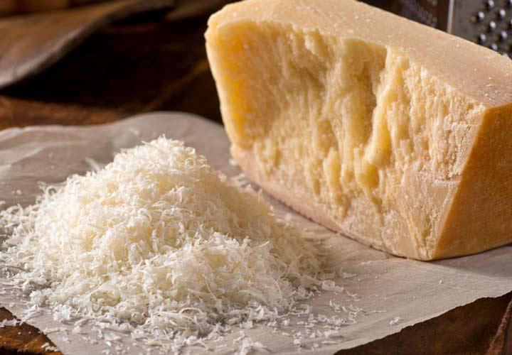 انواع پنیر - پنیر پارمزان (Parmesan)