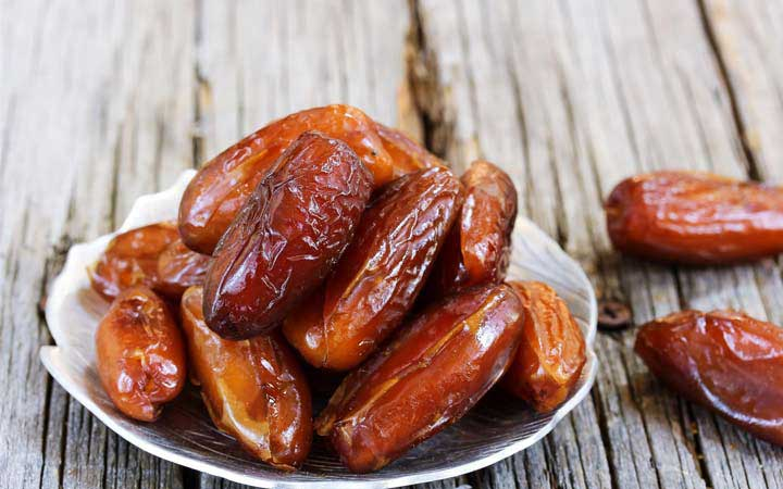 اگر صبحها احساس خستگی میکنید این خوراکیها را مصرف کنید - خرما