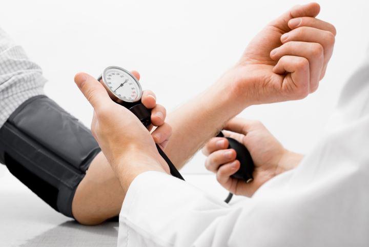 خواص شیرین بیان - فشار خون بالا یکی از عوارض جانبی مصرف شیرین بیان