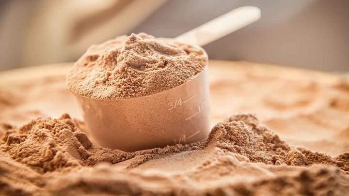 مکمل پروتئین برای عضله سازی ضروری هستند