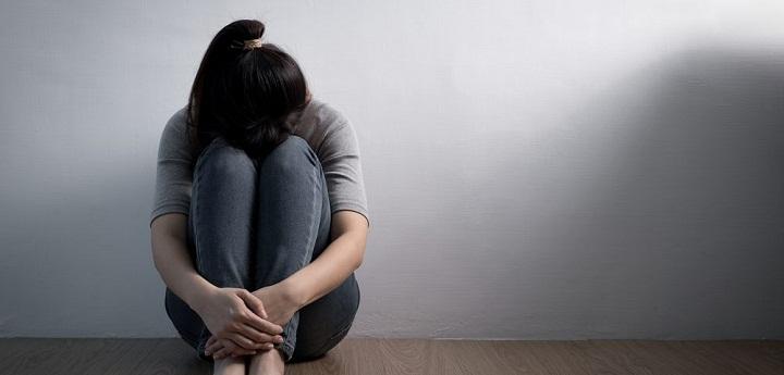 درمان مناسب در اینکه افسردگی چه مدت طول می کشد، موثر است.