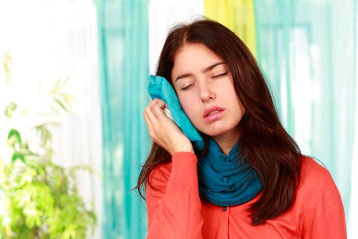 کمپرس سرد، درمان خانگی آبسه دندان