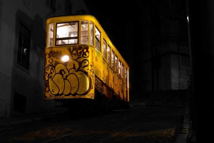سفر به لیسبون - قطار