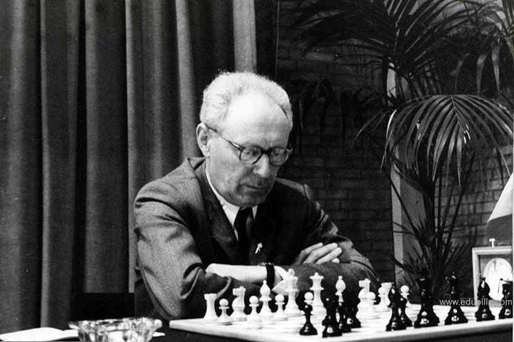 میخائیل بتوینیک، از قهرمانان شطرنج جهان