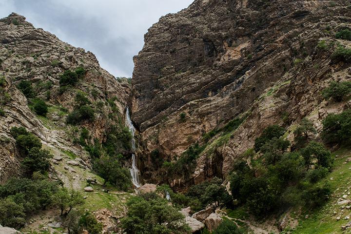 آبشار نوژیان - جاهای دیدنی لرستان - عکس علی دهقان