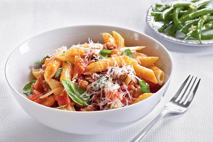 گوجهفرنگی تازه، سوسیس و پاستای پکورینو، از انواع پاستا