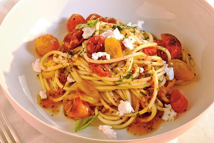 سس گوجهفرنگی گیلاسی با اسپاگتی، از انواع پاستا