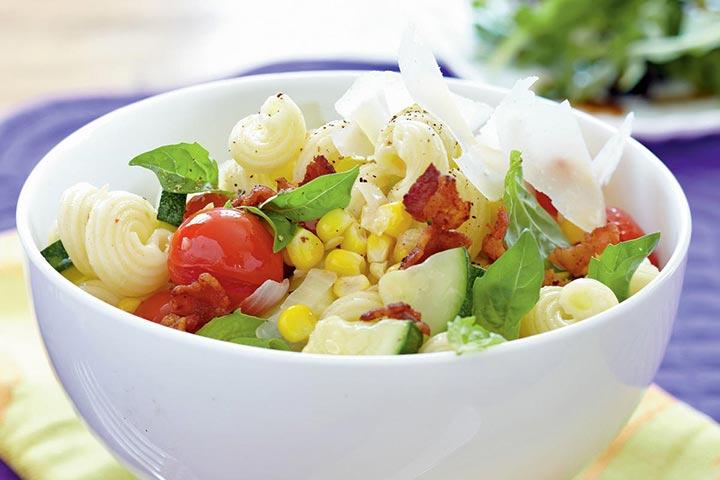کاواتاپی با گوشت و سبزیجات تابستانی، از انواع پاستا
