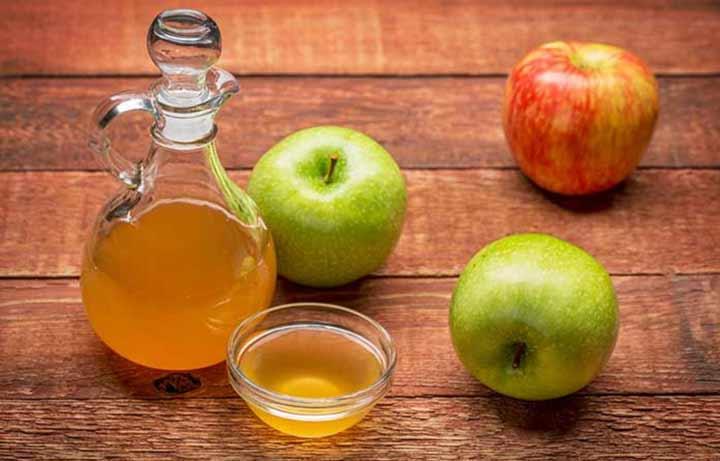 درمان جوش صورت با گلاب، سرکه سیب