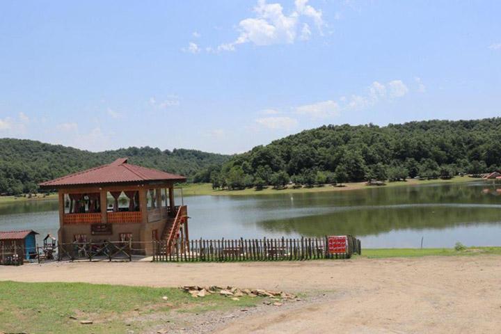 تابستان دریاچه سقالکسار